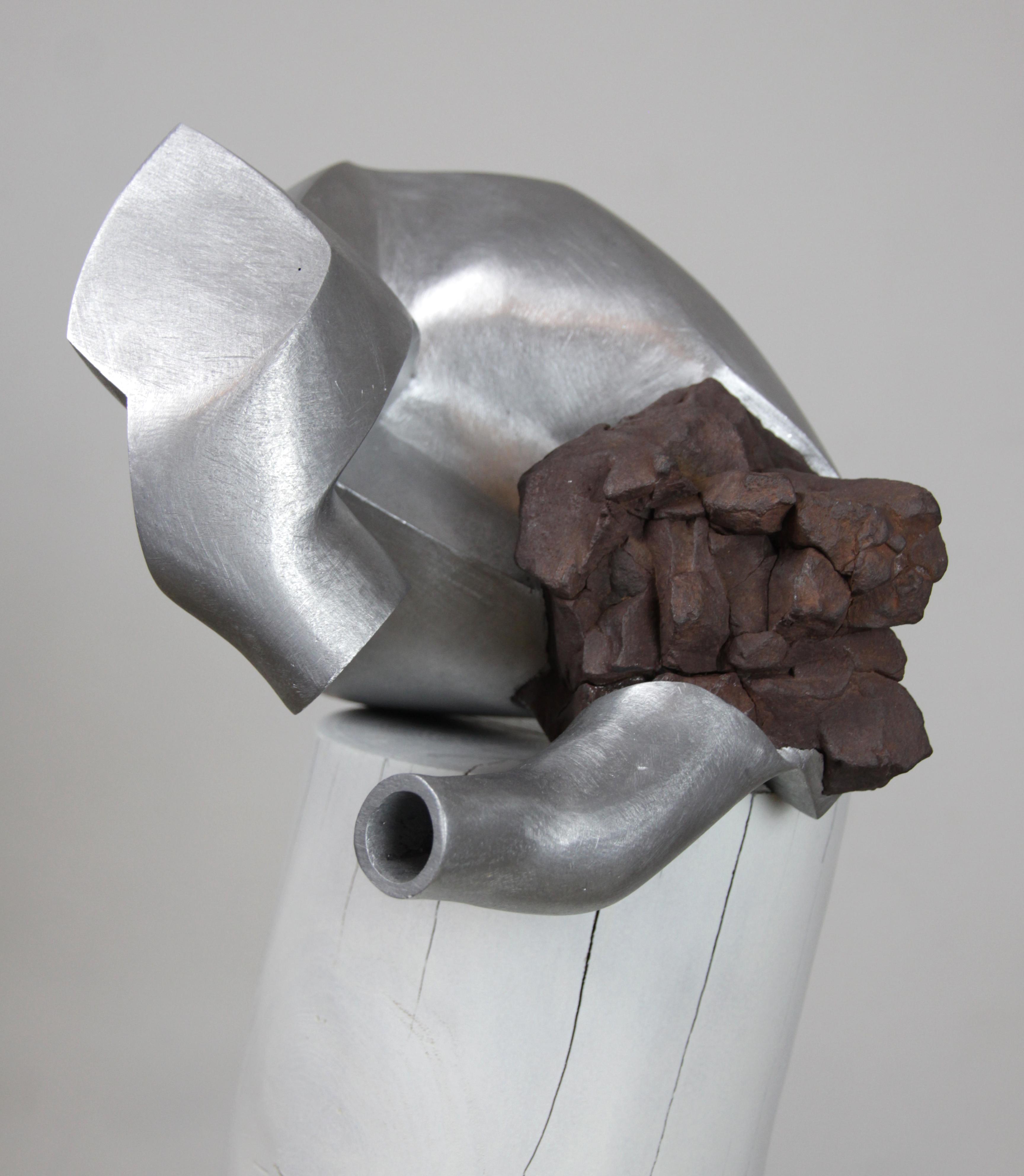 Sandra Rosenstiel verbund 01  2017  Aluminium, Basaltstein  0,24m x 0,20m x 0,25m