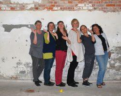 Karin Heyne, Christa Donner, Angela Hampel, Kerstin Franke-Gneuß, Kerstin Quandt, Heidemarei Dreßel, Ausstellungsaufbau Ostrale ´014