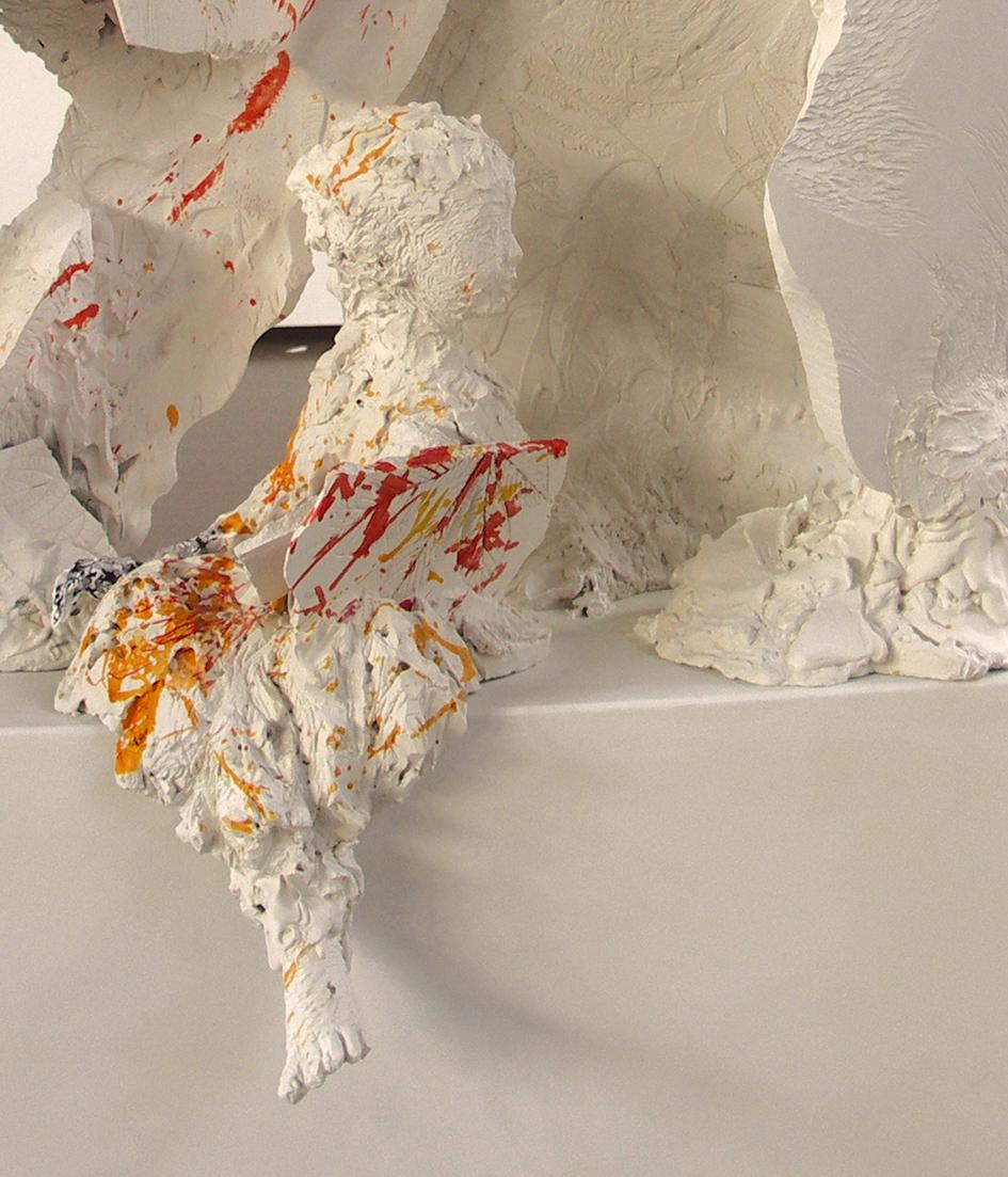 Petra Graupner, am Fluss (Detail einer Figurengruppe), 2015, Draht, Gips, farbige Tusche, Papier, Acryl